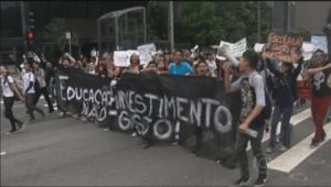 Cenpec debate reestruturação da rede estadual de SP no Bom Dia Brasil