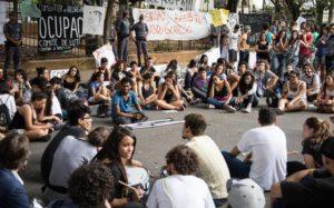 Juntos e Misturados no espaço público