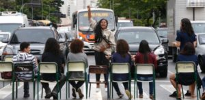 Como a escola pode preparar os jovens para a participação da vida pública do país