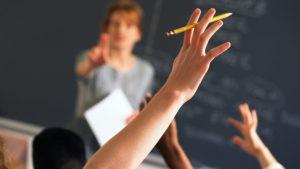 Veja: Acesso à escola de tempo integral no ensino médio é desigual, diz pesquisa
