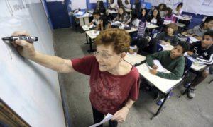 O Globo: Porque temos poucos professores experientes em sala de aula?