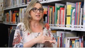Entrevista: Sociedade precisa valorizar seus professores, apontam especialistas