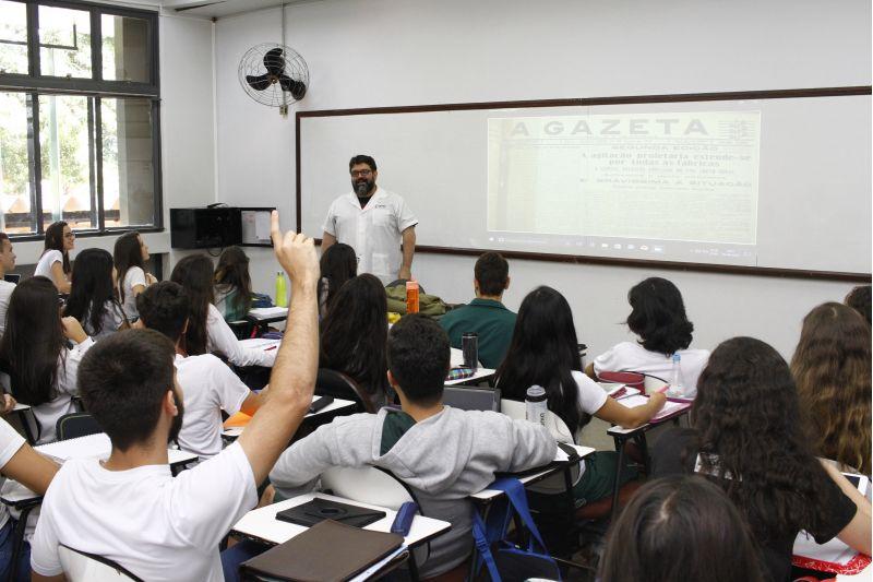 19/04/2018. Crédito: Ana Rayssa/Esp. CB/D.A Press. Brasil. Brasília - DF. 35 anos do colégio Sigma. Alunos em sala de aula.