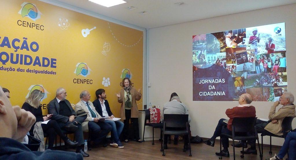 Silvana Bragatto, do Instituto Casa Comum, explica sobre as Jornadas da Cidadania. Foto: João Marinho.