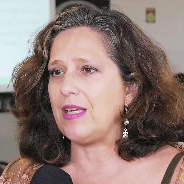 Ana Cecília Chaves Arruda.