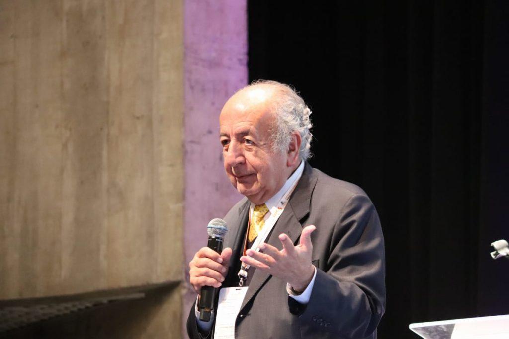Bernardo Toro em conferência magna no 5º SIEI.