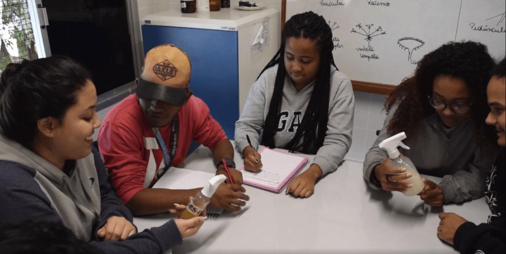"""Estudantes pesquisadores do projeto """"DesPóluir"""", vencedor nacional em 2017"""