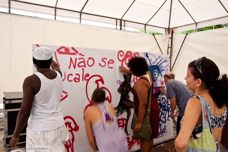 Oficina de Grafitti com Lee 27, Mostra Hip Hop em Movimento, Salvador (BA), 2010