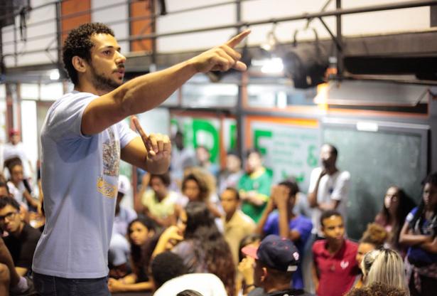 Experimentação de arte, Rio de Janeiro (RJ). Foto: Programa Jovens Urbanos/Acervo CENPEC