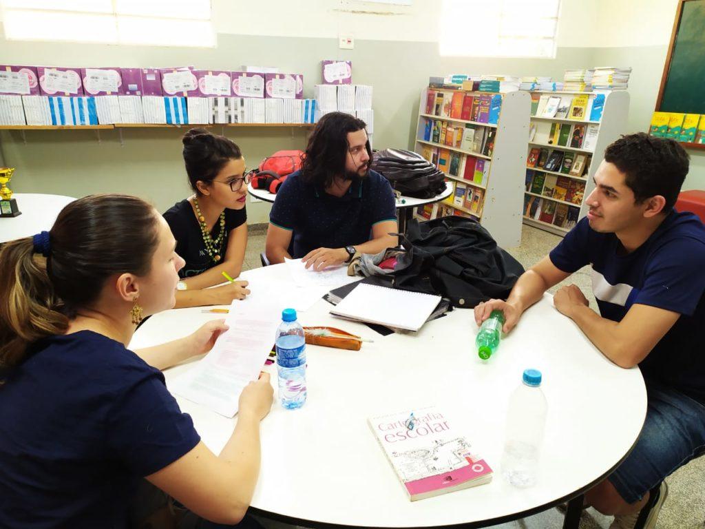 Equipe de professores da  EE Teotônio Vilela discutindo o projeto. Foto: arquivo pessoal