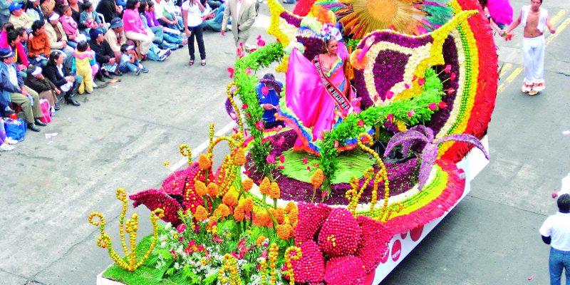 Festa das Flores e Frutos, no Equador.