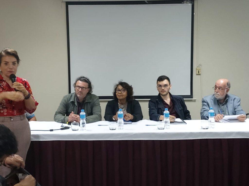 Reunião do Fórum pelo Fundeb Permanente e a Vinculação de Recursos para a Educação em São Paulo, com a deputada professora Maria Izabel à esquerda e Alexandre Isaac, na sequência. Foto: Reprodução.
