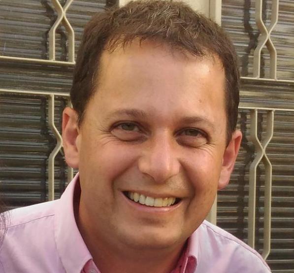 João Roberto Costa de Souza.
