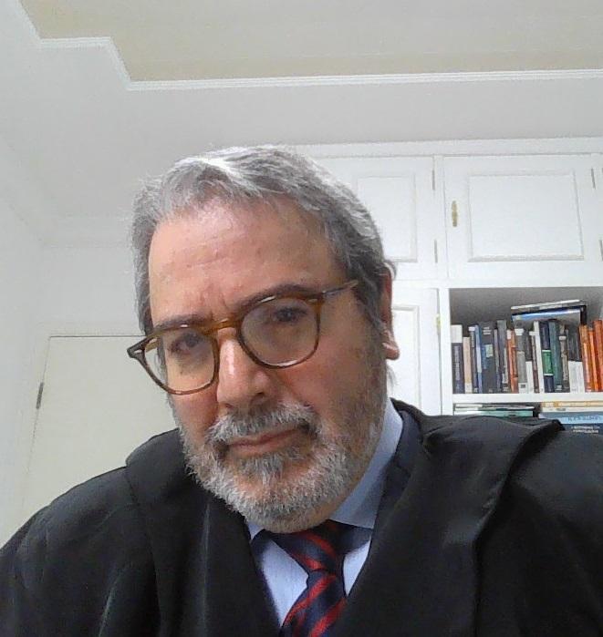 Fotografia de Clilton Guimarães dos Santos, advogado, professor universitário e ex-procurador de justiça do Ministério Público de São Paulo.