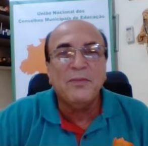Fotografia do professor Manoel Humberto, presidente da União Nacional dos Conselhos Municipais de Educação.