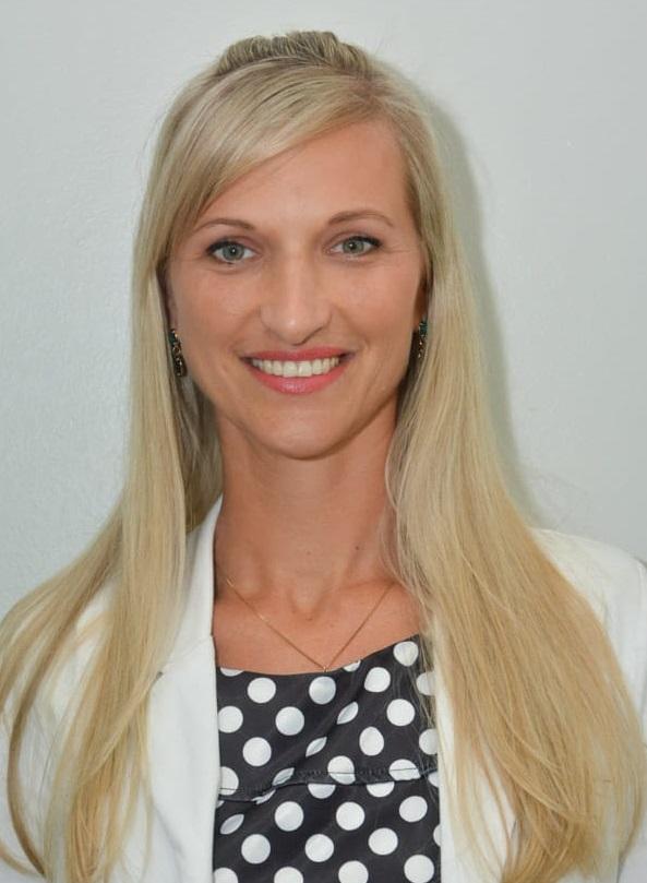 Fotografia de Patrícia Lueders, presidente da Undime-SC e secretária municipal de educação de Blumenau (SC).