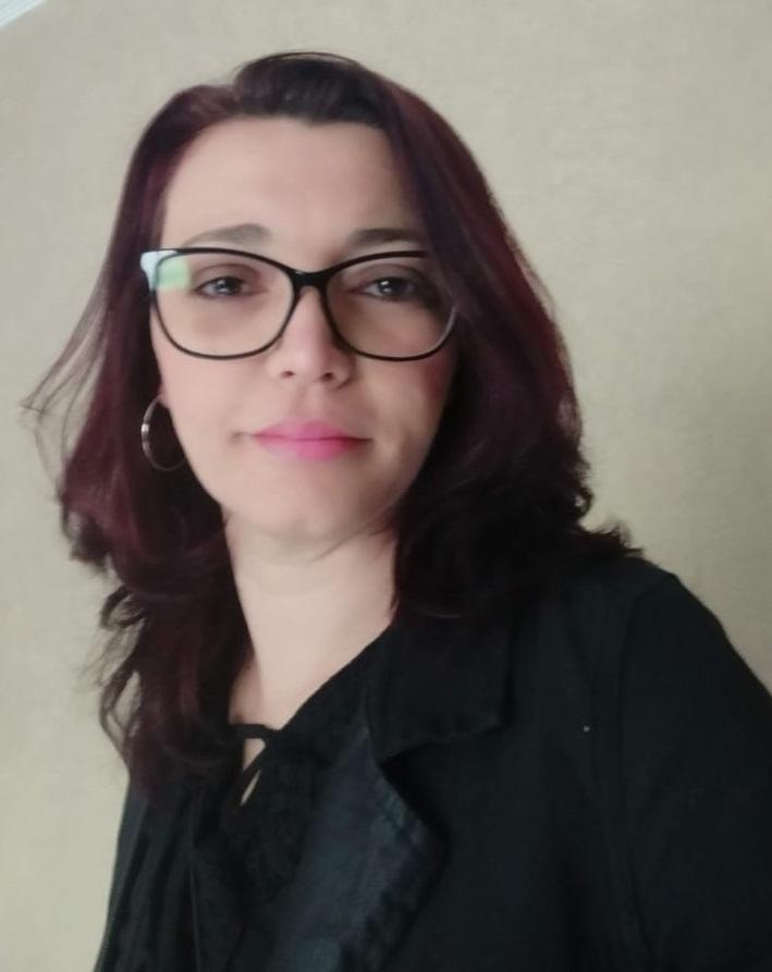 Imagem de Ana Cláudia Tavares Caetano, professora municipal do Ensino Fundamental II do Centro Educacional Unificado (CEU) Pêra Marmelo, no Jaraguá, zona norte de São Paulo (SP).