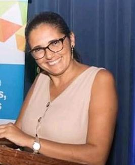 Fotografia de  Ezione Santos de Oliveira, supervisora dos anos iniciais do Ensino Fundamental da Secretaria Municipal de Educação de Camaçari.