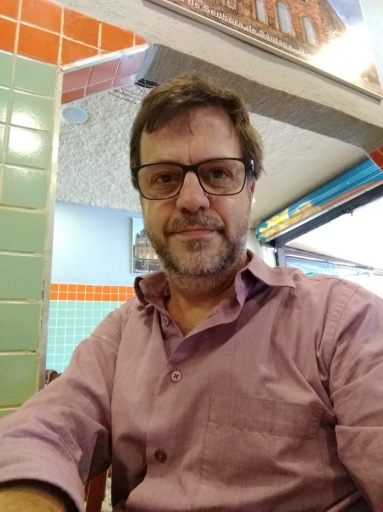 Imagem de Claudemir Viana, professor e coordenador da Licenciatura em Educomunicação da ECA/USP e do Núcleo de Comunicação e Educação (NCE/USP).