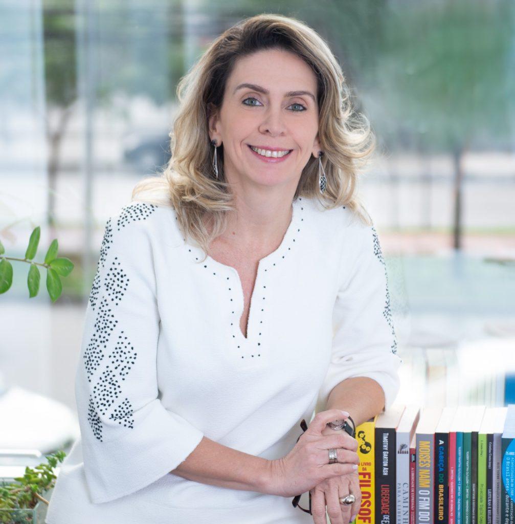 Imagem de Patrícia Blanco, presidente do Instituto Palavra Aberta, responsável pelo programa EducaMídia.